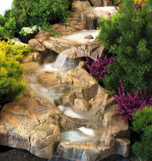 Wodna kaskada ogrodowa - przykład aranżacji